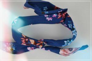Bandeau à tortiller fleuri marine
