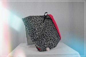 Snood maille coton léopard gris doublé fausse fourure rose